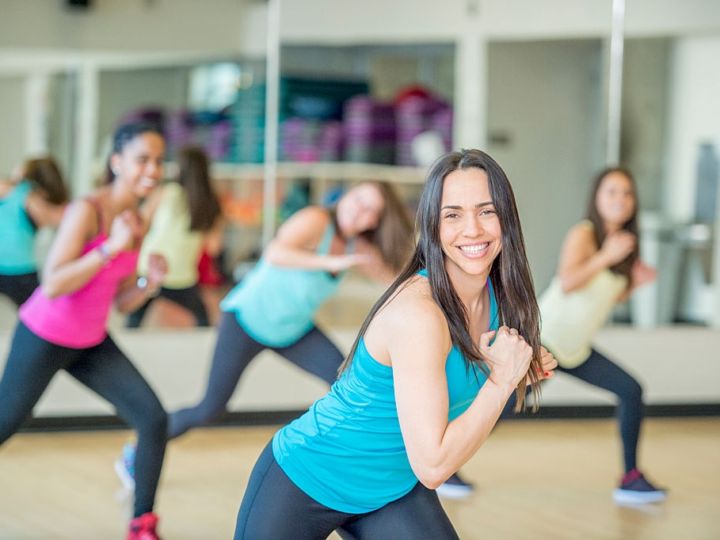 What is Zumba? – All About Zumba Pros, Cons and How it Works